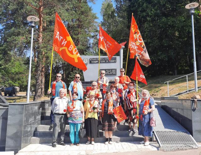 luga 100721 0 640x493 - Коммунисты Луги провели мероприятие, посвященное 80-летию со дня начала обороны на Лужском рубеже